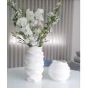 Moderne gewellte dekorative Vase