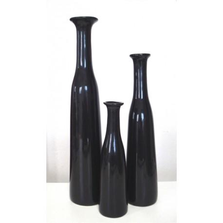 Set of thin collar vases