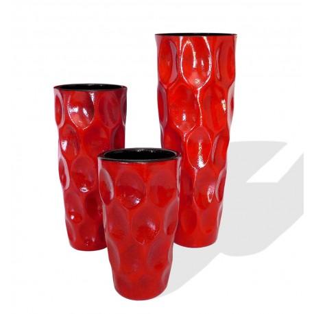 Ensemble de trois vases en terre cuite